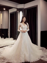 onlybridals V-Neck Ball Gown Wedding Dresses Appliques Long sleeve Vintage Lace Bride Gowns