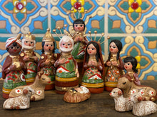 Load image into Gallery viewer, Small nativity (terra-cotta)