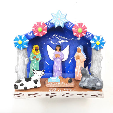 Medium Clay nativity scene (bright)