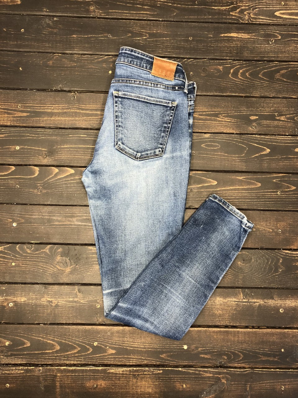 Lucky-Brand-Lolita-Skinny-Distressed-Jeans thumbnail 2