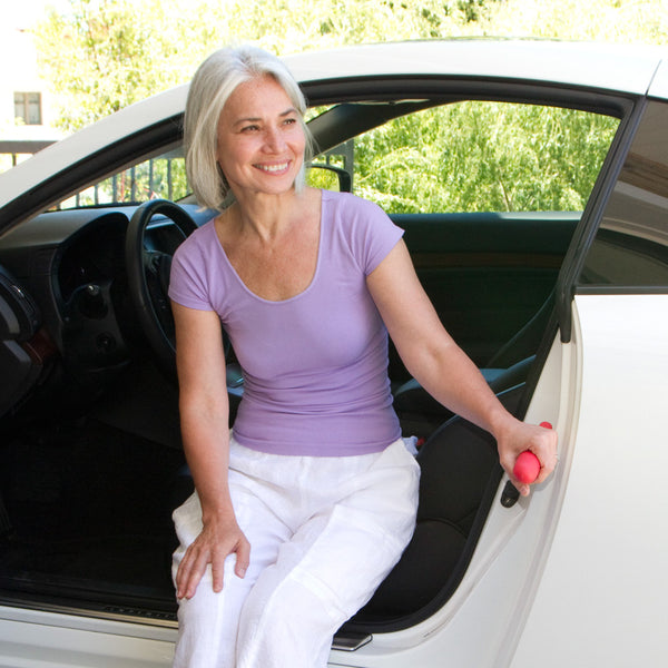 Do you have difficulties getting in and out of the car? - Think Mobility