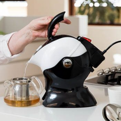 Top 10 kitchen gifts for Christmas 2020 - Uccello Kettle - Think Mobility