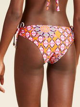 Load image into Gallery viewer, Ladak Printed  bottom bikini