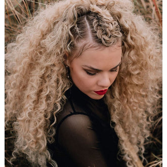 4 Easy and Gorgeous Hairstyles with Curly Clip in Hair Extensions
