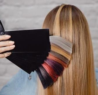 Colour Matching: How to Choose the Right Colour of Hair Extensions