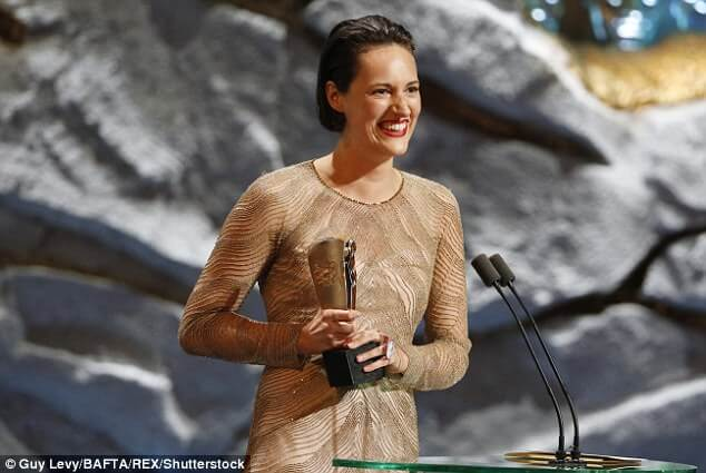 cliphair-extensions-bafta-Phoebe Waller-Bridge