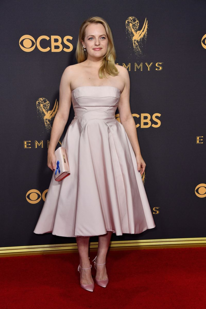 cliphair-extensions-emmys-2017-Elisabeth-Moss