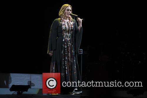 cliphair-extensions-glastonbury-2017.-adele