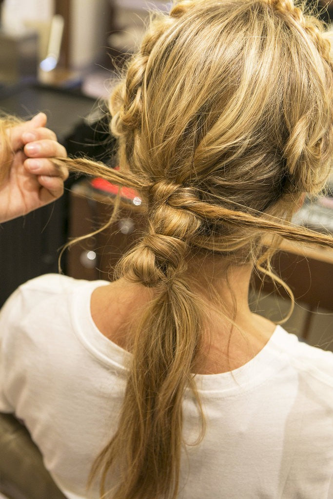 cliphair-extensions-knotted-ponytail-double-knot