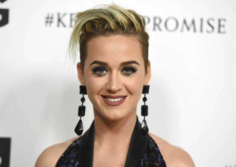 katy-perry-funky-hair-styles-extensions