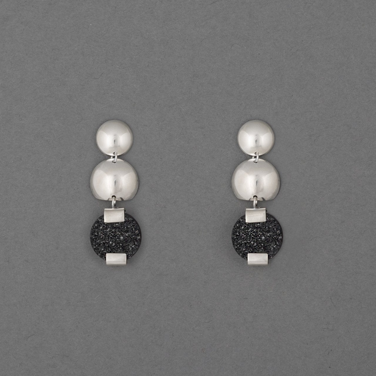 ALEXANDRIA DISC DROP EARRING