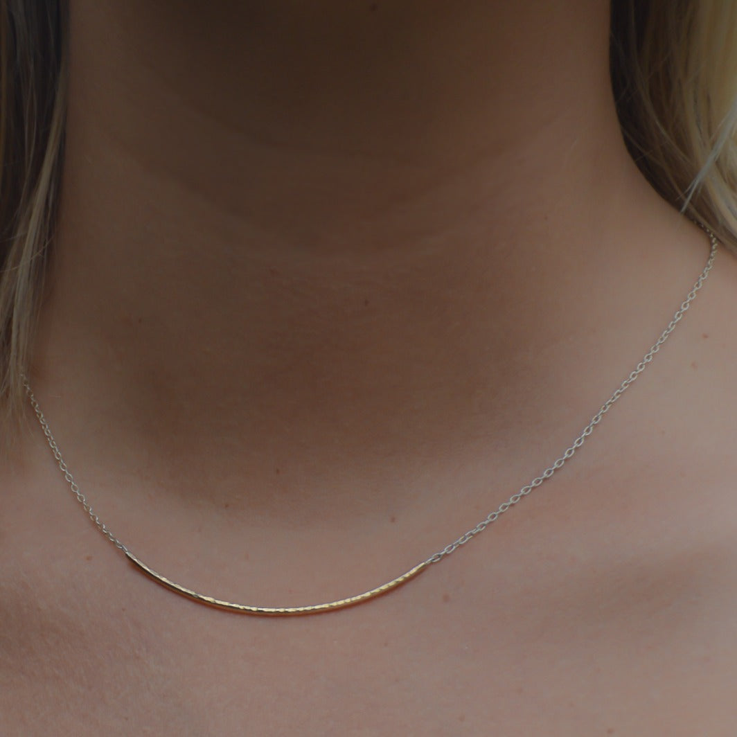 LATERAL FORGED BAR NECKLACE