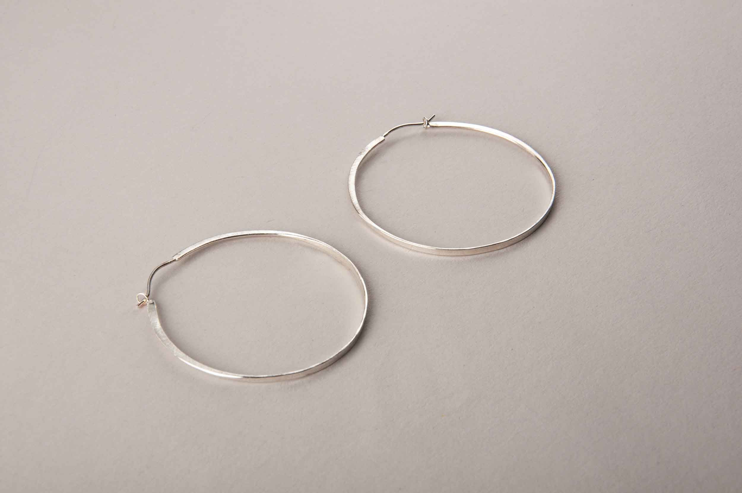 PERPENDICULAR FORGED HOOPS