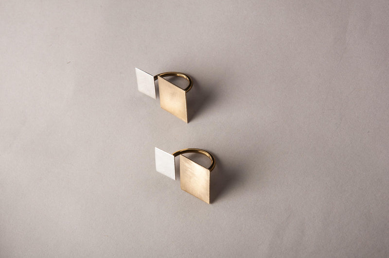 SQUARE TWO FINGER RING