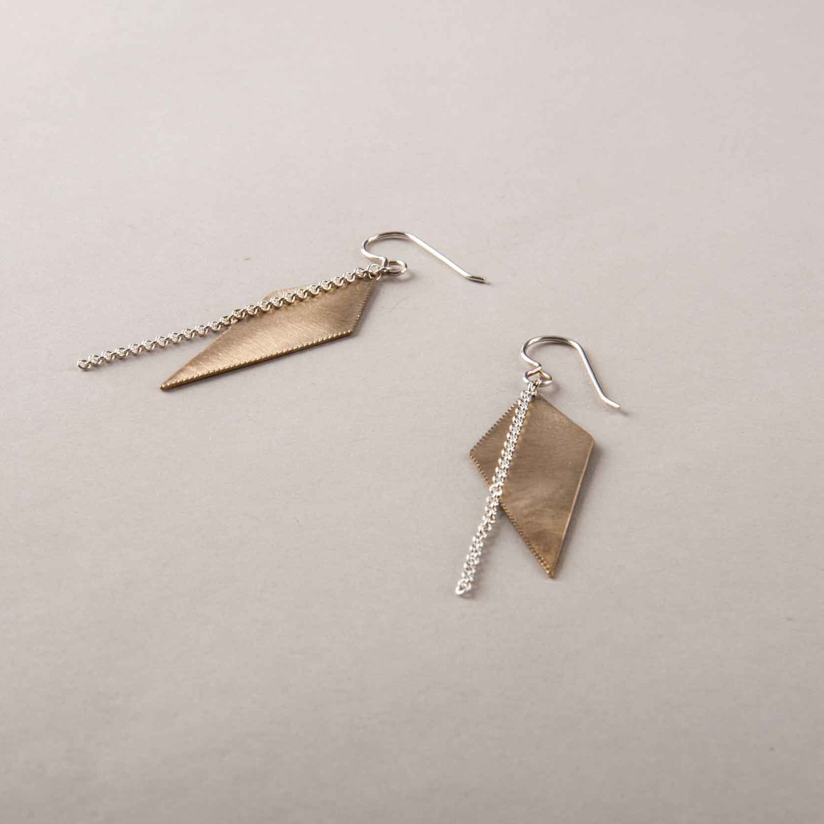 GOLD PLATED SPIKE EARRINGS WITH SILVER CHAIN