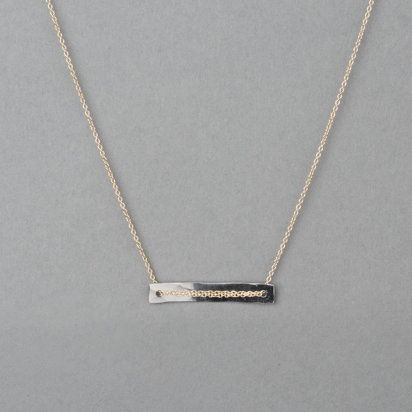 GREENBELT TWO-TONE NECKLACE