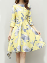 Load image into Gallery viewer, Floral Printed Round Neck Skater Dress