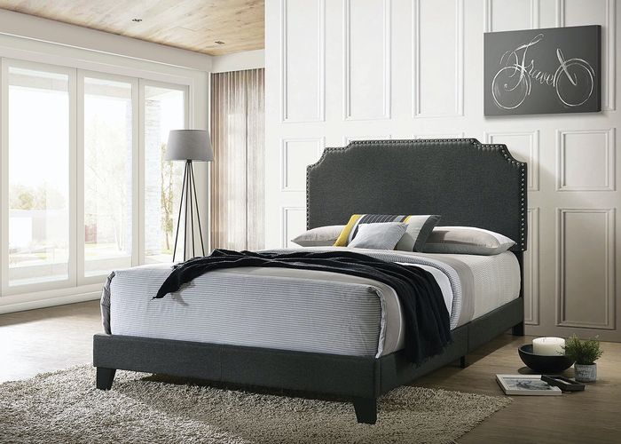 Tamarac Upholstered Bed In Grey