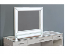 Load image into Gallery viewer, Vickie White Vanity Set