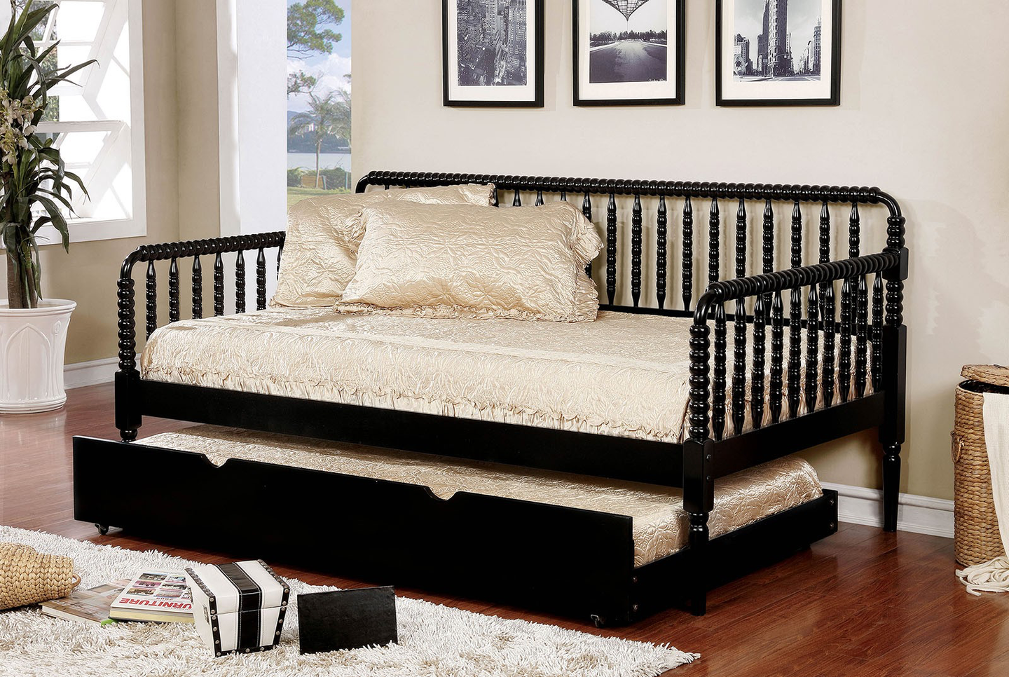 - Jenny Lind Day Bed In Black – Fully Furnished