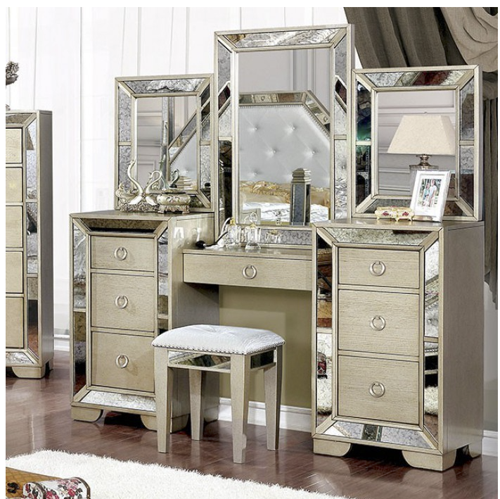 Loraine Vanity With Stool in Champagne