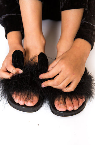 Fur Bunny Sliders - Black