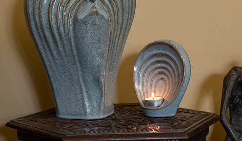 "Keepsake urn for ashes with candle. Model ""Guadian"" by Pulvis Art Urns"