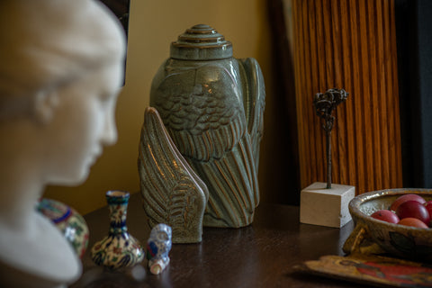 "Set of ceramic urns for ashes. Model ""Wings"""