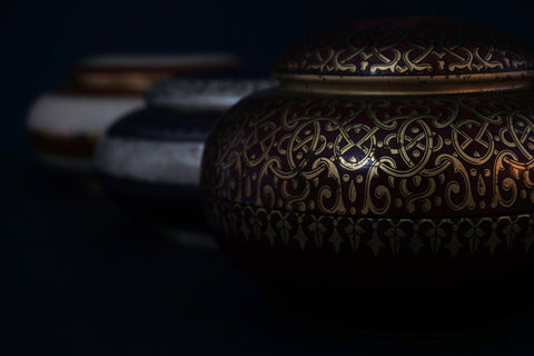 Cremation urn for ashes. Article by Pulvis Art Urns