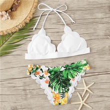 Load image into Gallery viewer, COLROVIE Halter Top Tropical Print Scalloped Bikini Set Boho