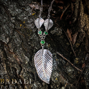 Elven Realms 3 Leaf Necklace: RIVENDELL™, LOTHLORIEN™, MIRKWOOD™ - Badali Jewelry - Necklace