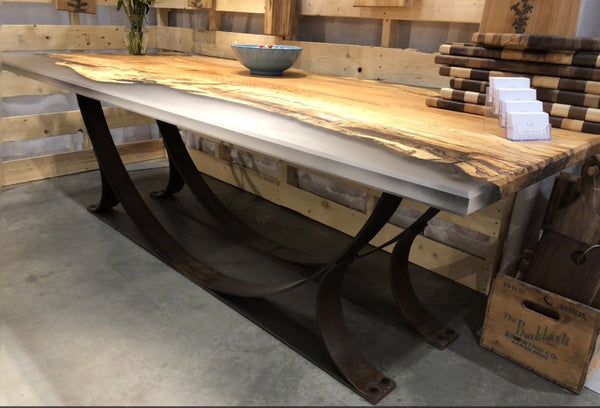 Dining Table - Walnut Epoxy Casting Dining Table