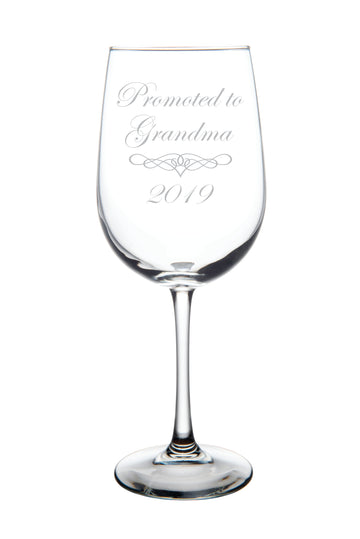 Promoted to Grandma 2019 wine glass