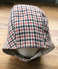 Load image into Gallery viewer, classic vintage style baby bonnet in merino cashmere blend with linen lining.
