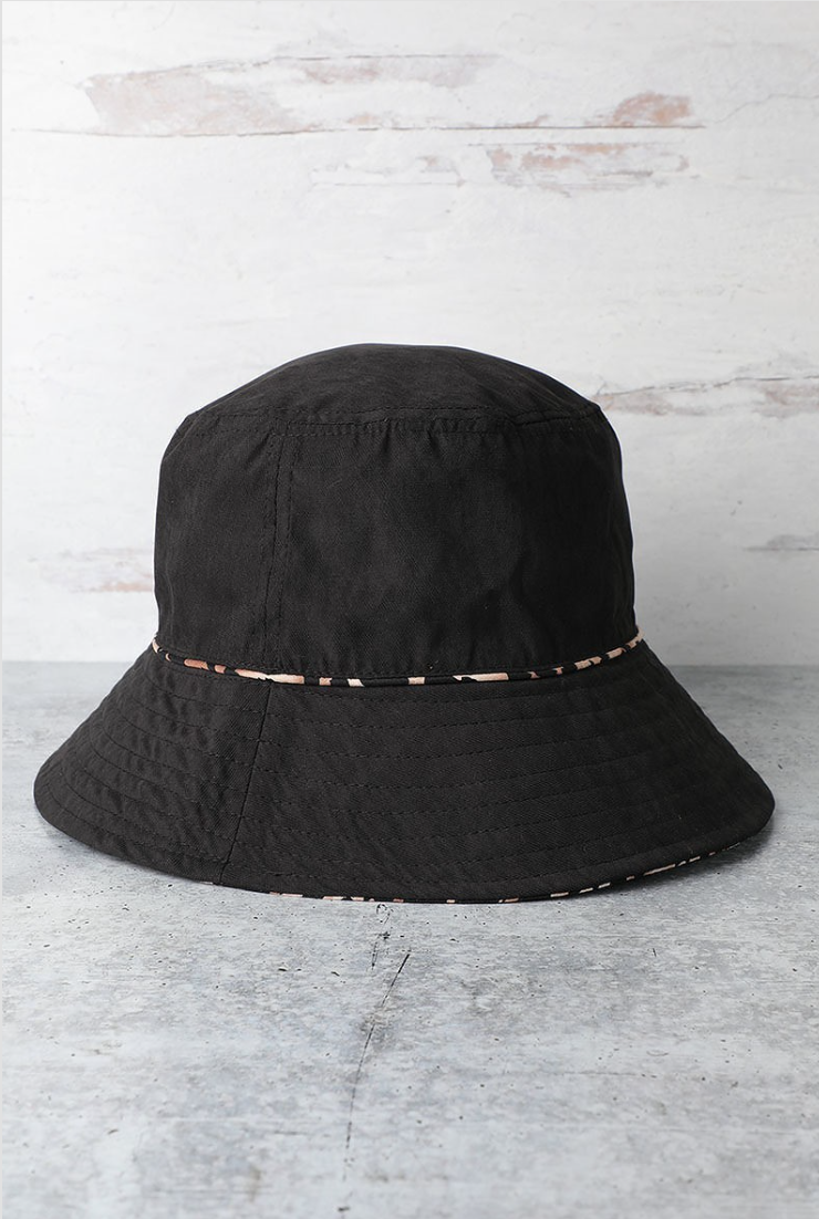 Reversible Black Leopard Print Bucket Hat - La Mère Clothing + Goods
