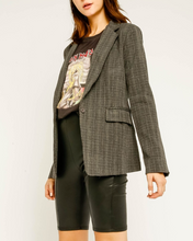 Load image into Gallery viewer, Grey Plaid Blazer - La Mère Clothing + Goods