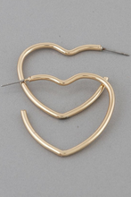 Load image into Gallery viewer, Heart Shape Earrings - La Mère Clothing + Goods
