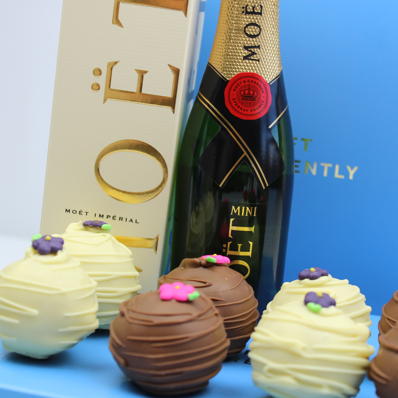 Cake Pop and Moet Gift Box