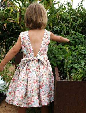 V-back Girls Dress in Cotton Floral with Loop Trim