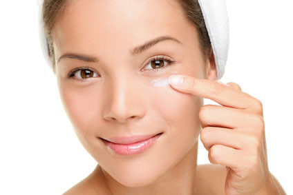 Under-eye bags and tired eyes | Reduce Puffiness with Cucumbers
