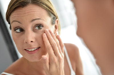 learn how to apply facial cream