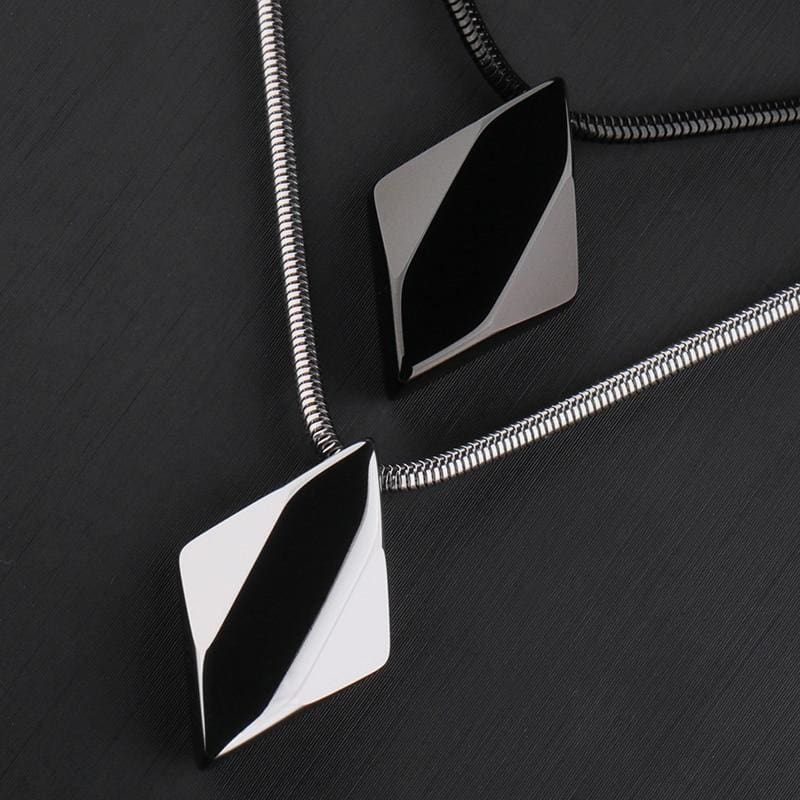 Collier pyramide pour Homme - collier pyramide