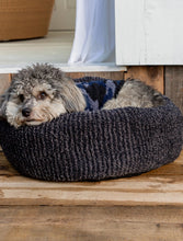 Load image into Gallery viewer, Round Pet Bed (small)