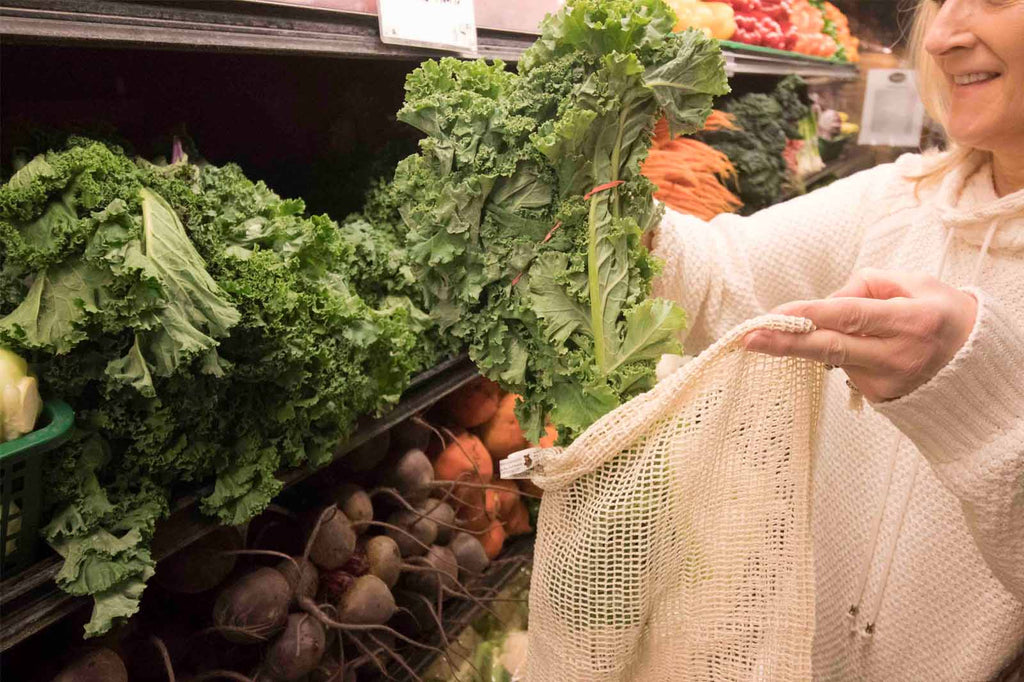 how to use reusable produce bags at your local grocery store