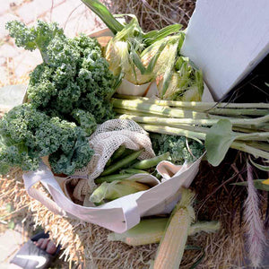 groceries from farmers market in the pocketed organic cotton tote bag