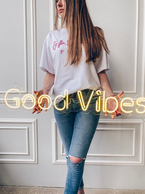 "Led Neon Sign ""Good Vibes"" - Creative Decor"
