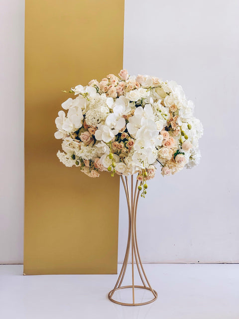 Gorgeous metal centerpiece - Creative Decor