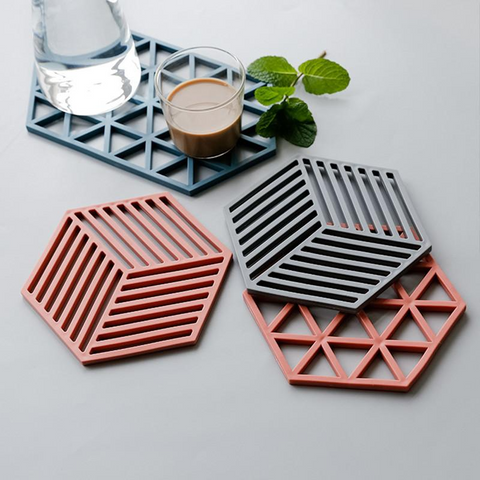 hexagon-red-blue-silicon-luxury-placemats-comfort-homes-houseware