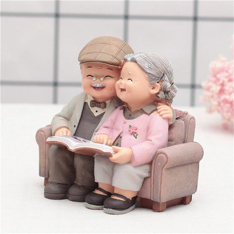 grandparents-love-couple-figuriens