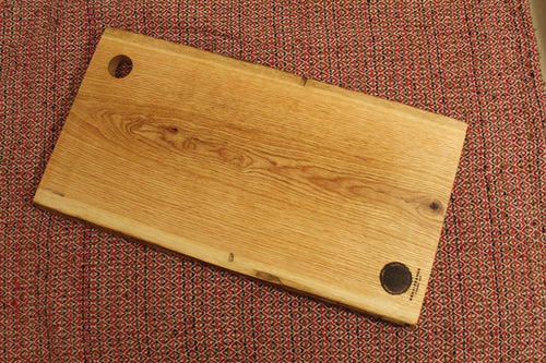 Live-Edge Oak Cutting Board (Minimalist)